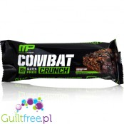MusclePharm Combat Crunch Chocolate Cake baton białkowy