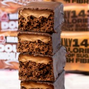 Lo-Dough Miracle Double Chocolate Fudge Cake Bar 143kcal the least caloric protein bar