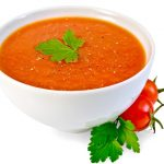 Ile kalorii ma zupa pomidorowa?
