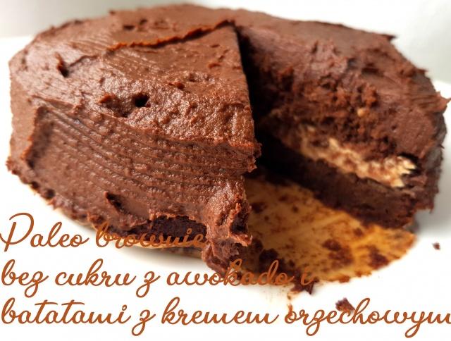 Czekoladowe ciasto bez cukru i glutenu z kremem orzechowym