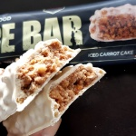 Fit Recenzje: RedCon1 MRE BAR Iced Carrot Cake – baton białkowy z 5 źródłami białka