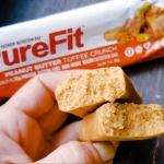 Fit Recenzje: Pure Fit Peanut Butter Toffee Crunch – wegański baton białkowy bez słodzików