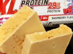 Pure Nutrition USA XL Protein Bar Raspberry – baton-widmo między starym a nowym