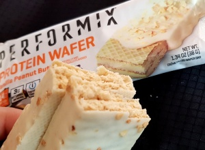 Fit Recenzje: Performix Protein Wafer Vanilla Peanut Butter – proteinowy wafelek Jamesa Bonda