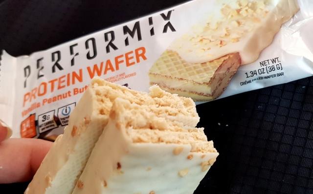 Fit Recenzje: Performix Protein Wafer Vanilla Peanut Butter – proteinowy wafelek Jamesa Bonda