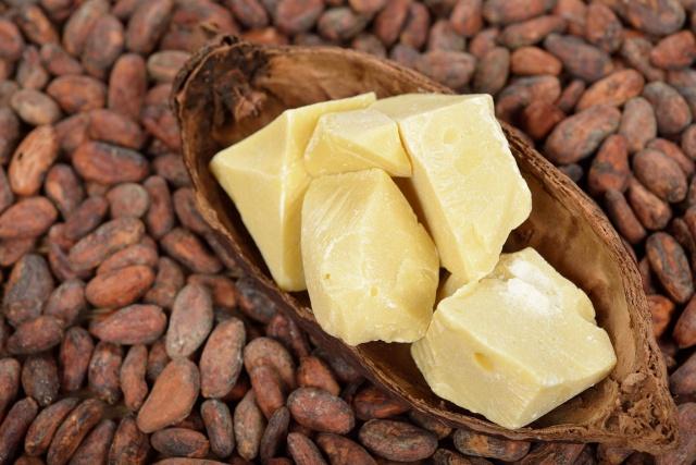 Masło kakaowe, ulubiony keto tłuszcz, ale czy zdrowy?