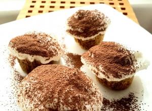 Proteinowe muffiny tiramisu bez cukru – 65kcal, 8g białka w jednej sztuce!